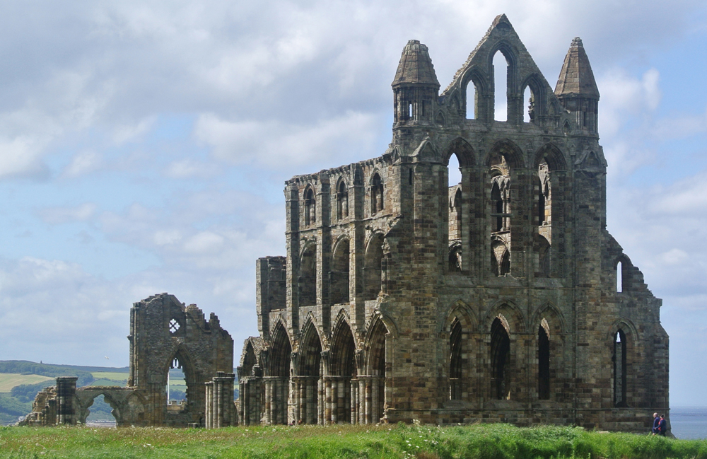 whitby_abbeyb.jpg